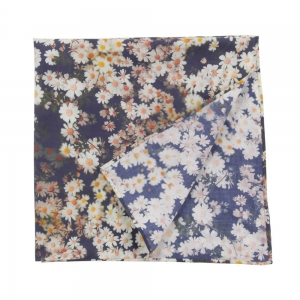 foulard-marguerites-bleu-marine