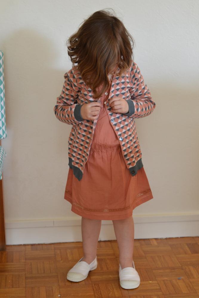 928398971170b Caramel Baby   Child – Robe Rosemary – 4 ans 8. Bonpoint – Robe Passion – 3 ans  9. Bonton – Robe Irisée et gilet jacquard – 6 ans et 8 ans