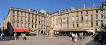 Bordeaux_Place_du_Parlement_R01